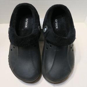 Crocs fleece lined black slip ons M7 W9